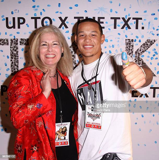 Vice President of Corporate Relations at Allstate Insurance Company Sari Macrie and PJ Sparks attend the Allstate X the TXT Event at the Jordin...