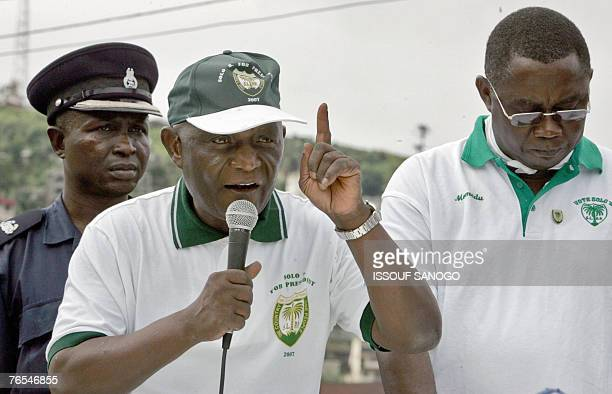 Vice President of Sierra Leone and leader of the Sierra Leone People's Party Solomon Berewa speaks 06 September 2007 at a meeting in Freetown on the...