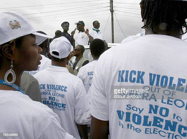 Vice President of Sierra Leone and leader of the Sierra Leone People's Party Solomon Berewa speaks to supporters 06 September 2007 at a meeting in...
