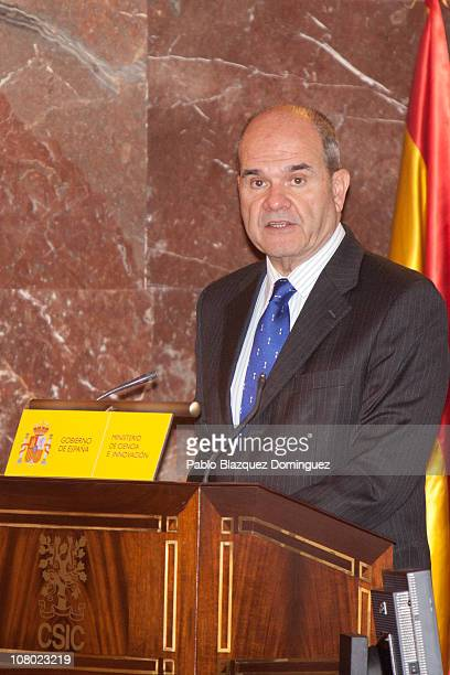 Vice President of the Spanish Goverment Manuel Chaves Gonzalez speaks during 'Ciudad de la Ciencia y la Innovacion' Awards at CSIC Central Office on...