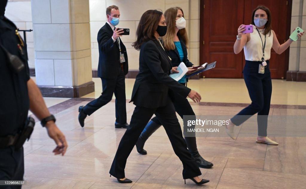 US-POLITICS-HARRIS : News Photo