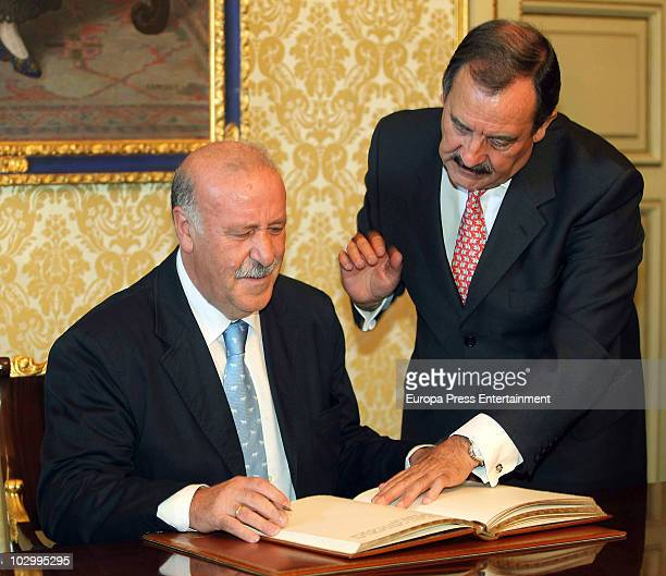 Vicente del Bosque and Salamanca's major Julian Lanzarote during the tribute that Salamanca's city council pays to the Spain's football coach Vicente...