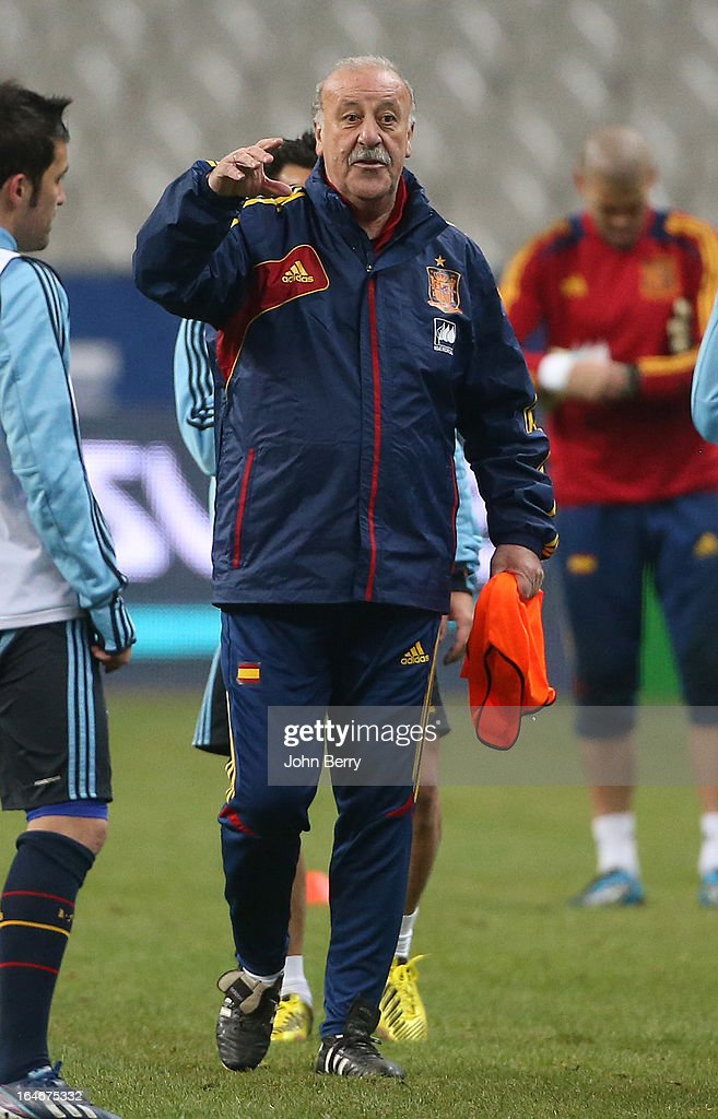 Vicente Del Bosque, head coach of Spain directs the practice session the day before the FIFA World Cup 2014 qualifier between France and Spain at the Stade de France on March 25, 2013 in Saint-Denis near Paris, France.