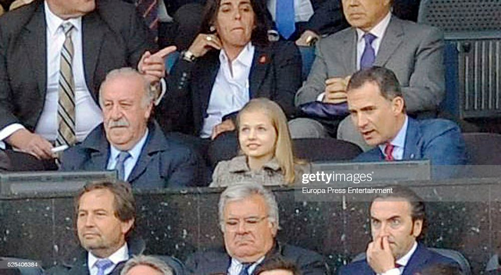 Vicente del Bosque, King Felipe of Spain (R) and his daughter Princess Leonor attend the UEFA Champions League semi final first leg match between Club Atletico Madrid and FC Bayern Muenchen (Bayern Munich) at Vicente Calderon Stadium on April 27, 2016 in Madrid, Spain.