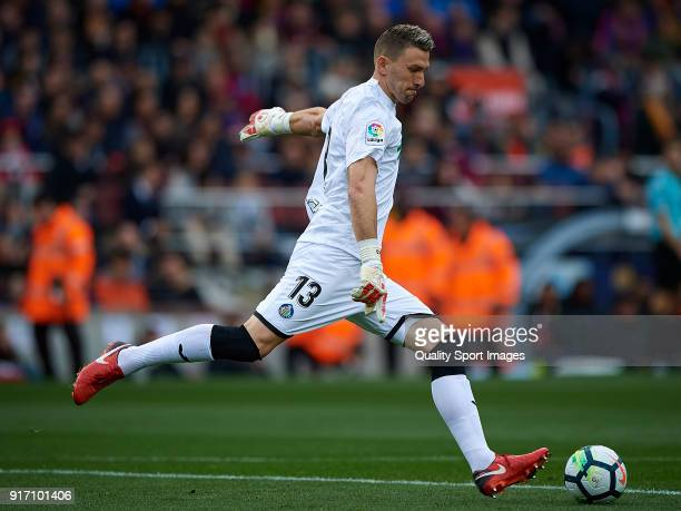 Vicente Guaita of Getafe in action during the La Liga match between Barcelona and Getafe at Camp Nou on February 11 2018 in Barcelona Spain