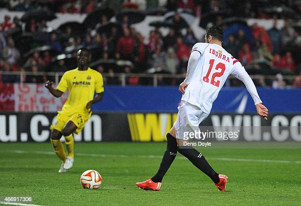 Vicente Iborra of FC Sevilla scores his team's opening goal during the UEFA Europa League Round of 16 Second Leg match between FC Sevilla and...