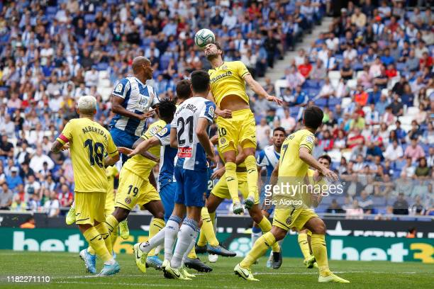Vicente Iborra of Villareal heads the ball during the La Liga match between RCD Espanyol and Villarreal CF at RCDE Stadium on October 20, 2019 in...