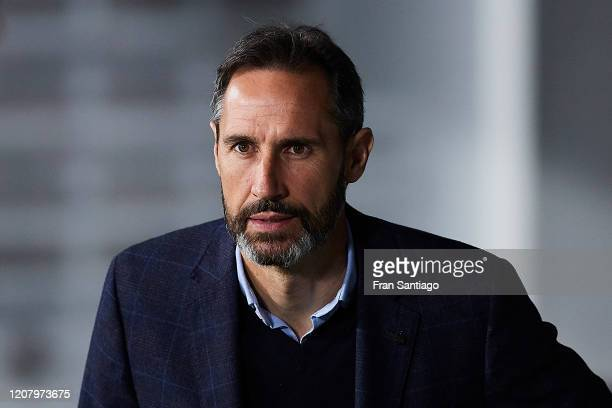 Vicente Moreno Manager of RCD Mallorca looks on prior to the Liga match between Real Betis Balompie and RCD Mallorca at Estadio Benito Villamarin on...
