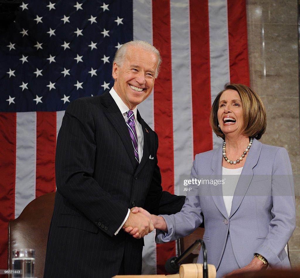 US Vice-President Joe Biden (L) and Spea : News Photo