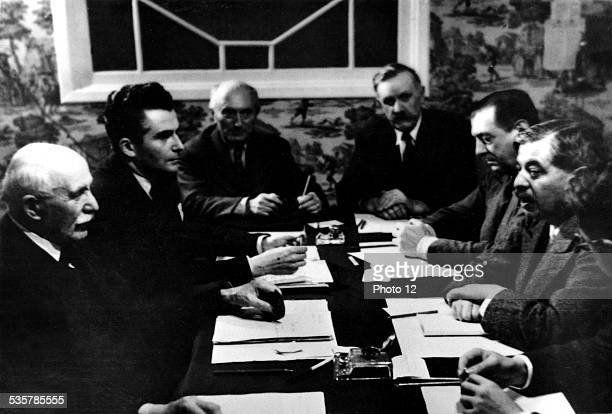 Vichy government National council of the Vichy governement Petain left with Laval July 1940 France Second World War war