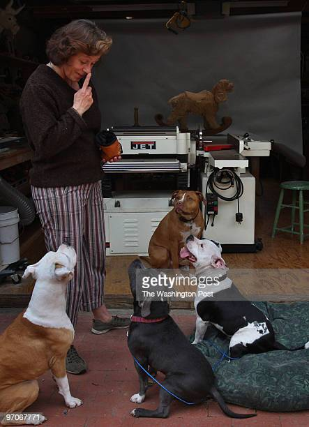 VickDogBADRAP07 DATE: April 5, 2008 CREDIT: Carol Guzy/ The Washington Post Oakland CA VICK DOGS a year later. Donna Reynolds and Tim Racer, founders...