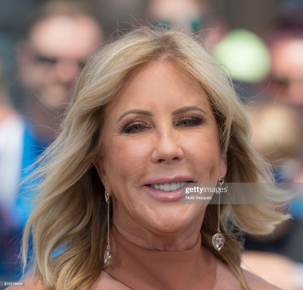 "Vicki Gunvalson Visits ""Extra"" : News Photo"