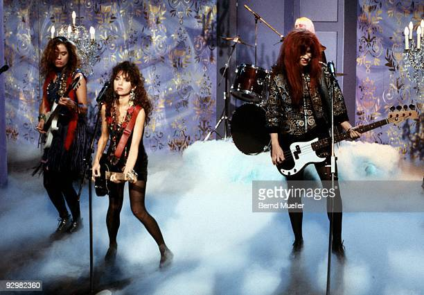Vicki Peterson Susanna Hoffs and Michael Steele of the Bangles perform on 'Formel Eins' TV show on November 1st 1988 in Munich Germany