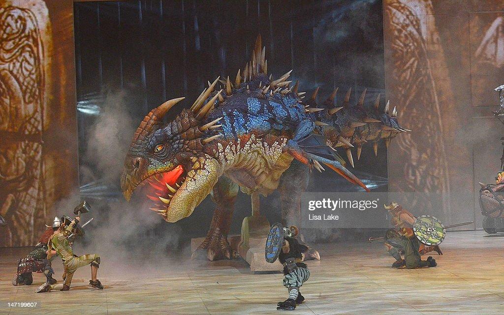 Vickings attack dragon