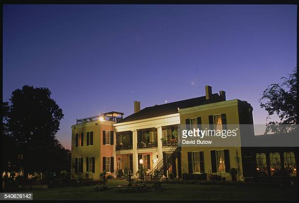 Vicksburg Mississippi The Ceola Grove an antebellum mansion was once a Union hospital General Grant also stayed there after the battle of Vicksburg