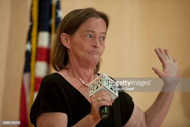Vicky Olson speaks at a forum at the Burton Barr Central Library on May 9 2014 in Phoenix Arizona Sen John McCain met with Arizona Veterans to...