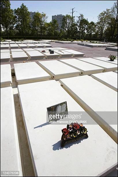 Victims of the heatwave In Thiais France On August 25 2003 5year free concession at Thiais cemetery