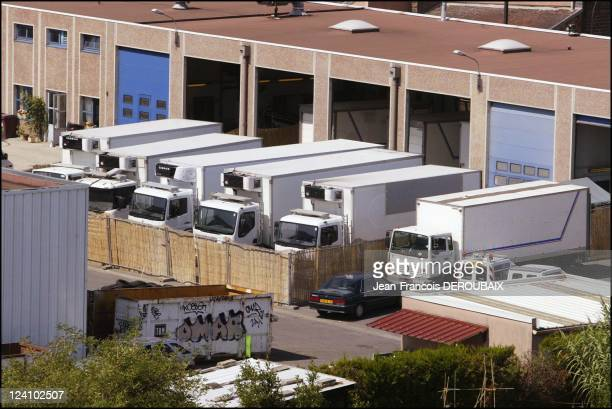 Victims of the heatwave in Thiais In Ivry Sur Seine France On August 25 2003 Freezing trucks containing hundreds of dead Parisians who died during...