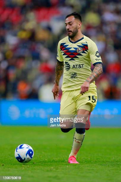 Victor Aguilera of America drives the ball during the 6th round match between America and Atlas as part of the Torneo Clausura 2020 Liga MX at Azteca...