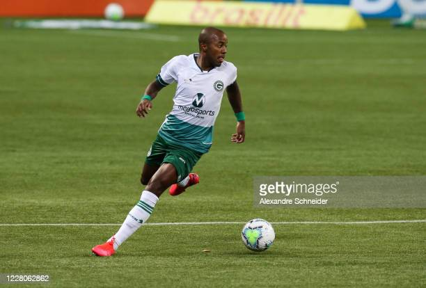 Victor Andrade of Goias runs with the ball during the match between Palmeiras and Goias as part of the 2020 Brasileirao Series A at Arena Palmeiras...