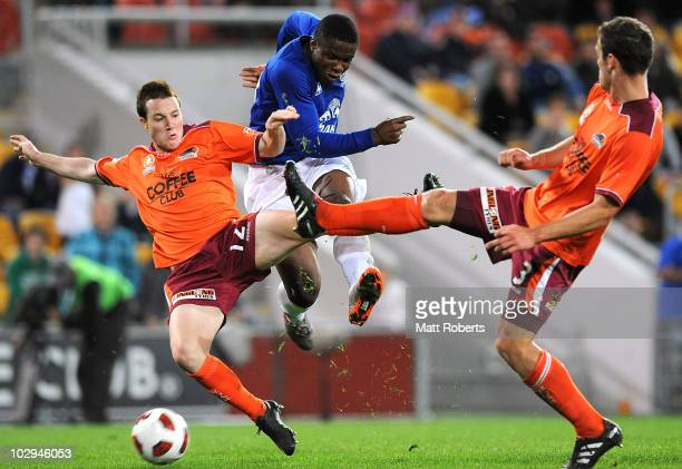 Victor Anichebe of Everton strikes the ball past the Roar defence during a pre-season friendly match between Brisbane Roar and Everton at Suncorp...