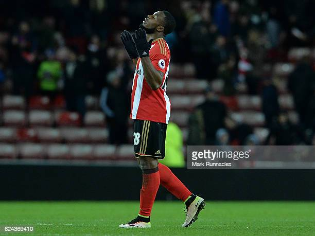 Victor Anichebe of Sunderland celebrates his teams 30 victory at the final whistle during the Premier League match between Sunderland and Hull City...