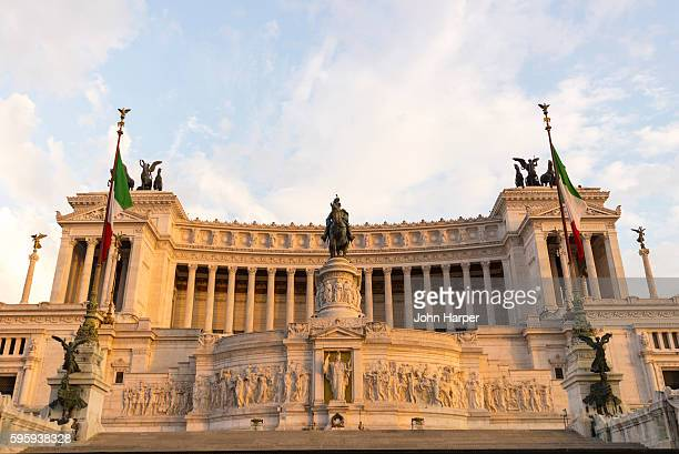 victor emmanuel ii monument, rome, italy - altare della patria stock pictures, royalty-free photos & images