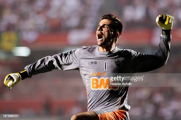 Victor goalkeeper of Atletico Mineiro celebrates a goal during a match between Sao Paulo and Atletico Mineiro as part of the Copa Bridgestone...