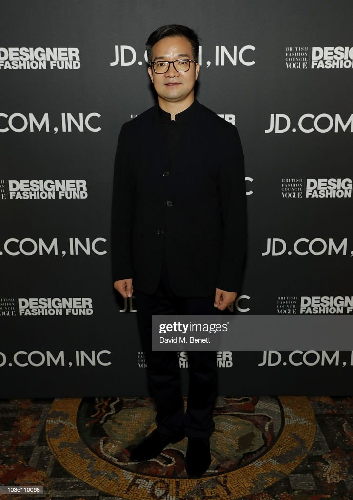 Victor Hu Attends The Bfc Vogue Designer Fashion Fund In Partnership News Photo Getty Images