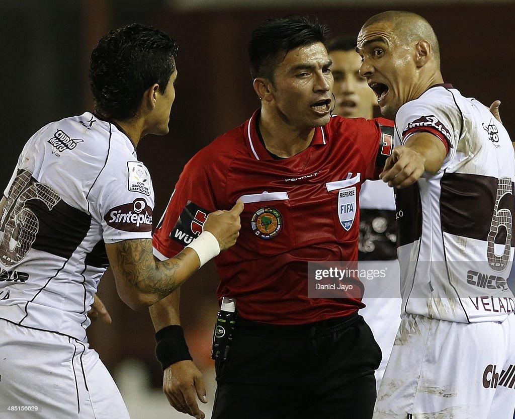 Lanus v Santos Laguna - Copa Bridgestone Libertadores 2014