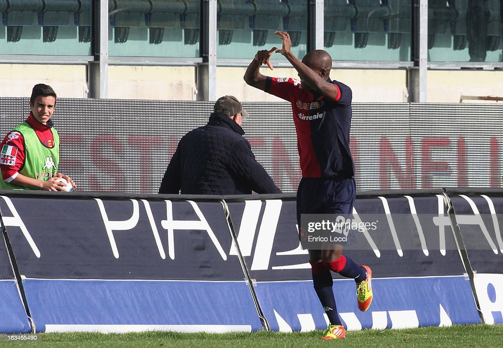 Victor Ibarbo of Cagliari celebrates after scoring 2-0 during the Serie A match between Cagliari Calcio and UC Sampdoria at Stadio Sant'Elia on March 10, 2013 in Cagliari, Italy.