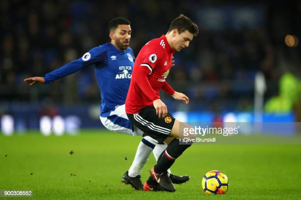 Victor Lindelof of Manchester United in action with Aaron Lennon of Everton during the Premier League match between Everton and Manchester United at...