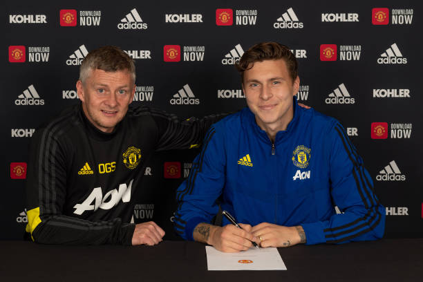 GBR: Victor Lindelof Signs A Contract Extension at Manchester United