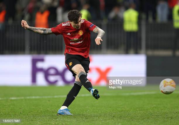 Victor Lindelof of Manchester United scores their team's tenth penalty in the penalty shoot out during the UEFA Europa League Final between...