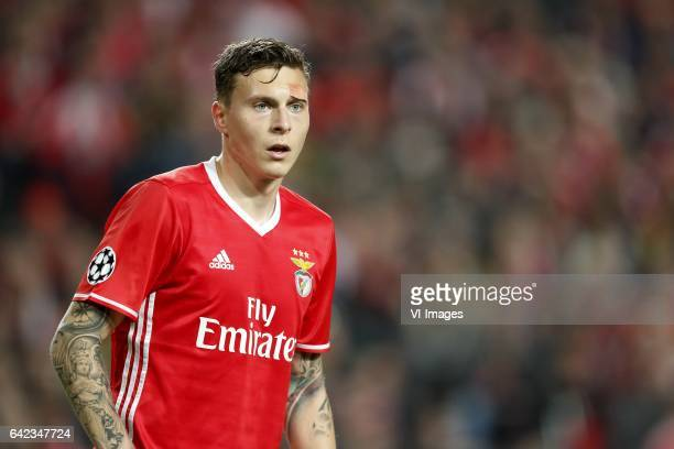 Victor Lindelof of SL Benficaduring the UEFA Champions League round of 16 match between SL Benfica and Borussia Dortmund on February 14 2017 at...