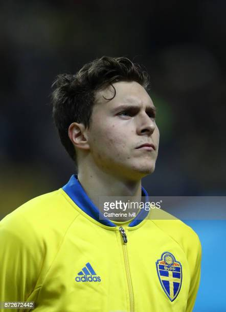 Victor Lindelof of Sweden during the FIFA 2018 World Cup Qualifier PlayOff First Leg between Sweden and Italy at Friends arena on November 10 2017 in...