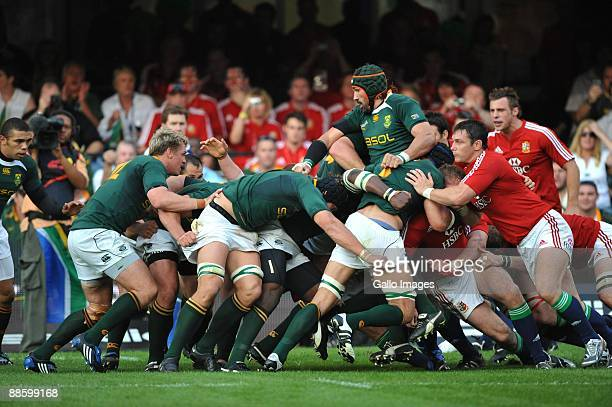 Victor Matfield controls the maul to set up the try for Heinrich Brussow of South Africa during the First Test match between the South African...