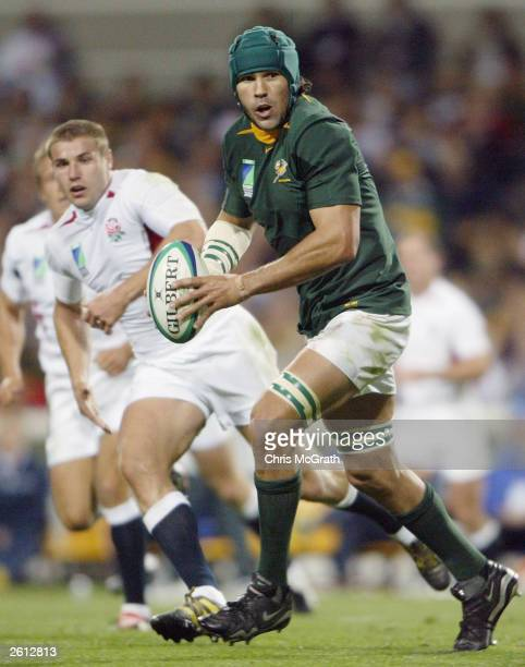 Victor Matfield of South Africa looks to offload during the Rugby World Cup Pool C match between South Africa and England at Subiaco Oval October 18,...