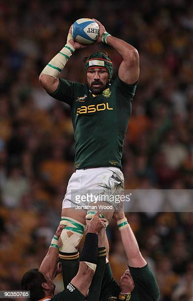 Victor Matfield of the Springboks wins a lineout during the 2009 Tri Nations series match between the Australian Wallabies and the South African...