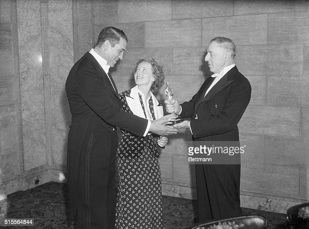 Victor McLagen and Bette Davis were hailed for the best movie performances of 1935 at the annual awarding of prizes by the Academy of Motion Picture...
