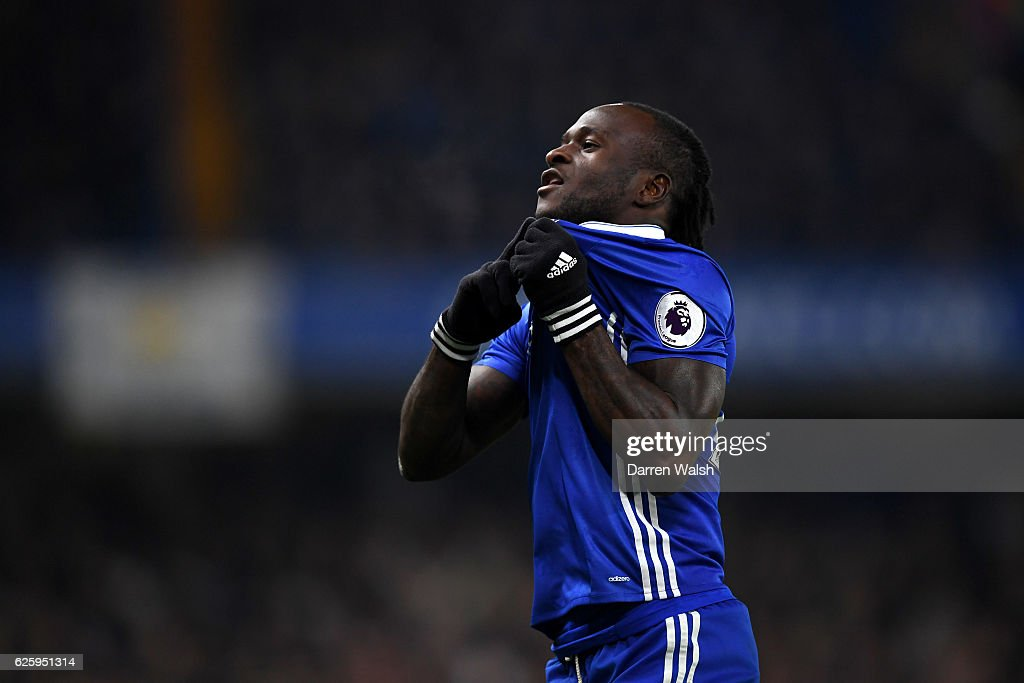 Victor Moses of Chelsea celebrates scoring his team's second goal during the Premier League match between Chelsea and Tottenham Hotspur at Stamford Bridge on November 26, 2016 in London, England.