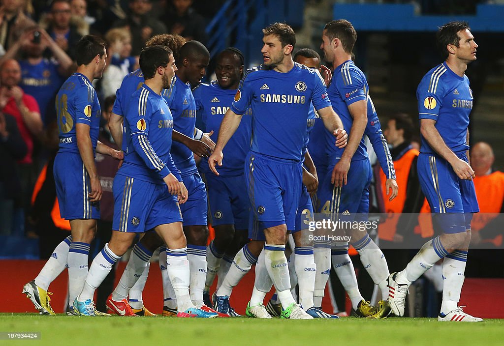Victor Moses of Chelsea (5R) celebrates with team mates as he scores their second goal during the UEFA Europa League semi-final second leg match between Chelsea and FC Basel 1893 at Stamford Bridge on May 2, 2013 in London, England.