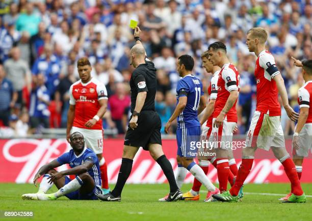 Victor Moses of Chelsea is show his second yellow by referee Anthony Taylor during The Emirates FA Cup Final between Arsenal and Chelsea at Wembley...