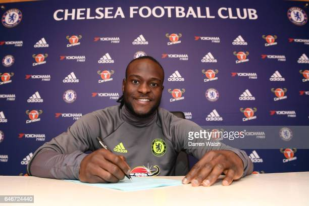 Victor Moses of Chelsea signs a new contract at Chelsea Training Ground on March 1 2017 in Cobham England