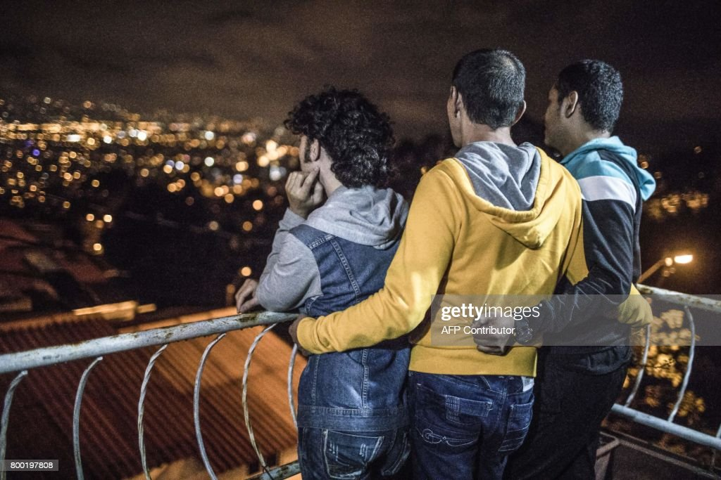 COLOMBIA-GAY-MARRIAGE-POLYAMOROUS : News Photo