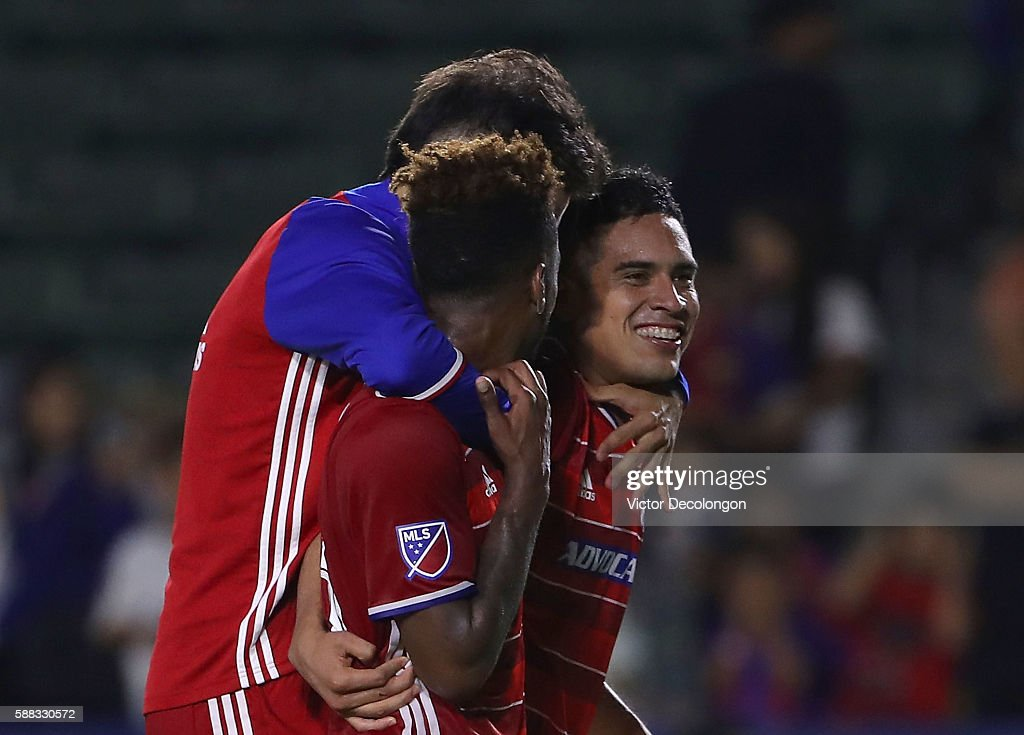FC Dallas v Los Angeles Galaxy: Semifinal - 2016 U.S. Open Cup : News Photo