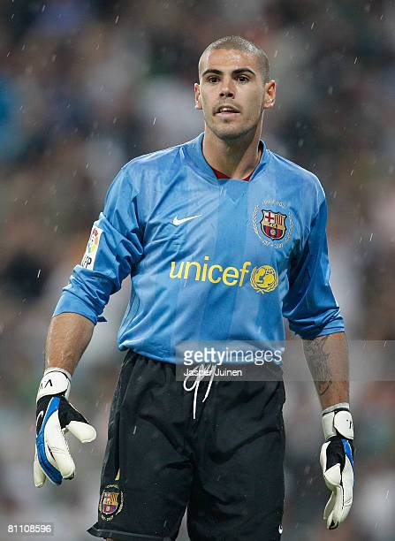 Victor Valdes of Barcelona looks on during the La Liga match between Real Madrid and Barcelona at the Santiago Bernabeu Stadium on May 7 2008 in...