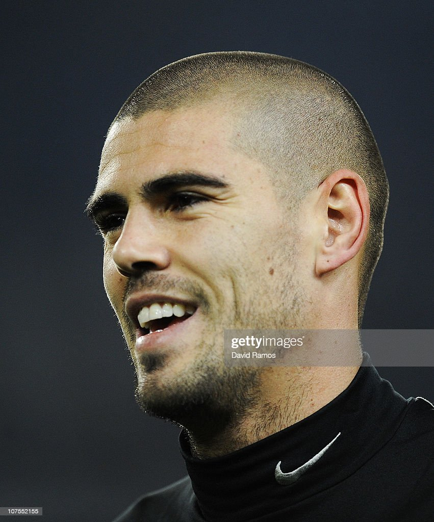 Victor Valdes of Barcelona looks on during the warm up prior the La Liga match between Barcelona and Real Sociedad at Camp Nou Stadium on December 12, 2010 in Barcelona, Spain. Barcelona won the match 5-0.
