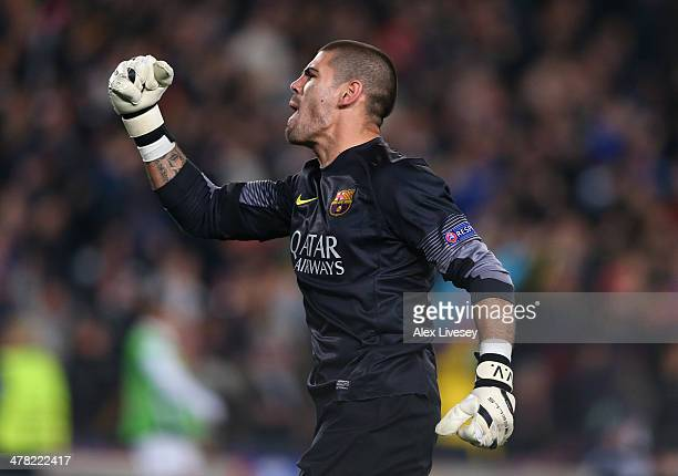 Victor Valdes of FC Barcelona celebrates the second goal during the UEFA Champions League Round of 16 match between FC Barcelona and Manchester City...