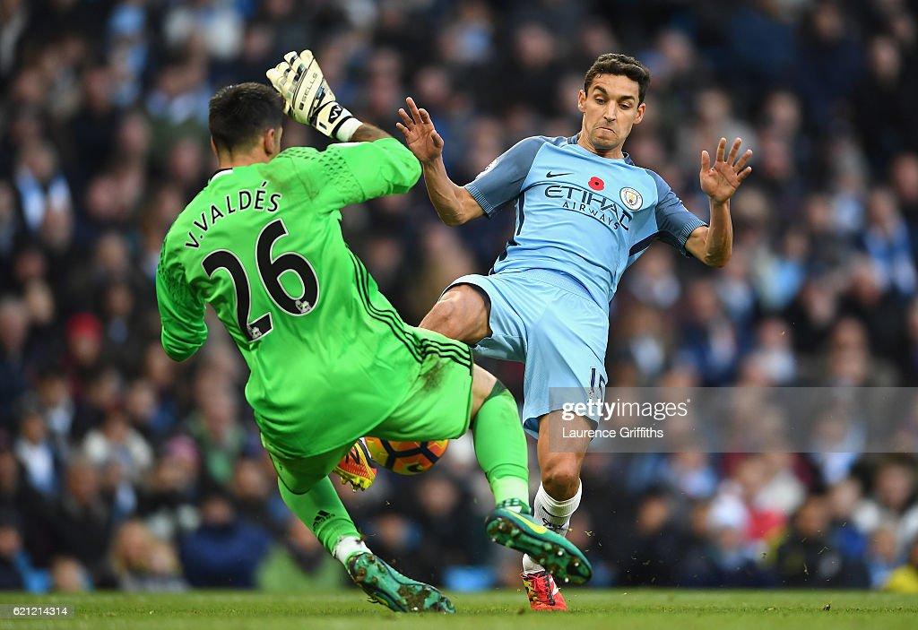 Manchester City v Middlesbrough - Premier League : News Photo